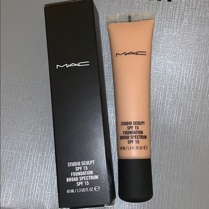 NW20 studio sculpt foundation